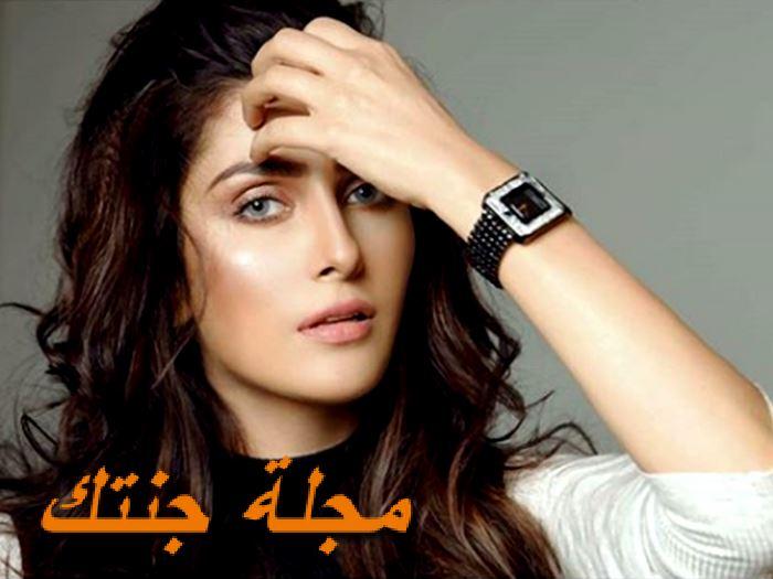 ايزا خان