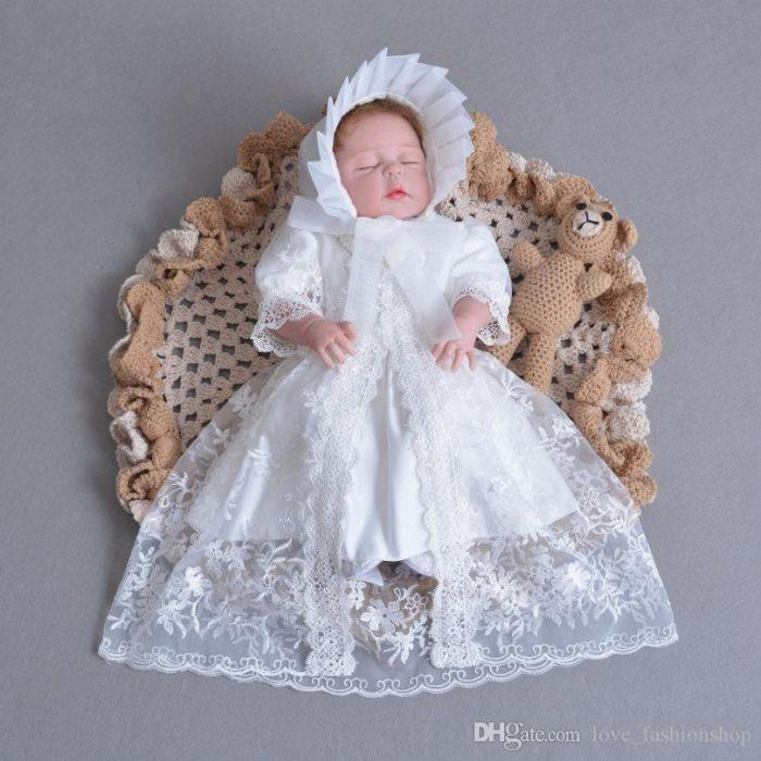 فستان زفاف شتوي لحديثي الولادة باللون الابيض