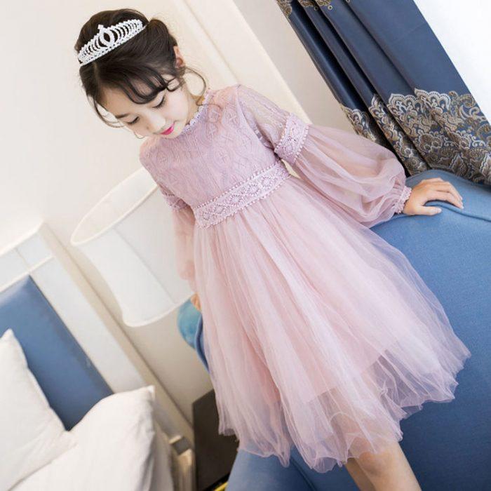 فستان زفاف شتوي للاطفال في منتهى الجمال