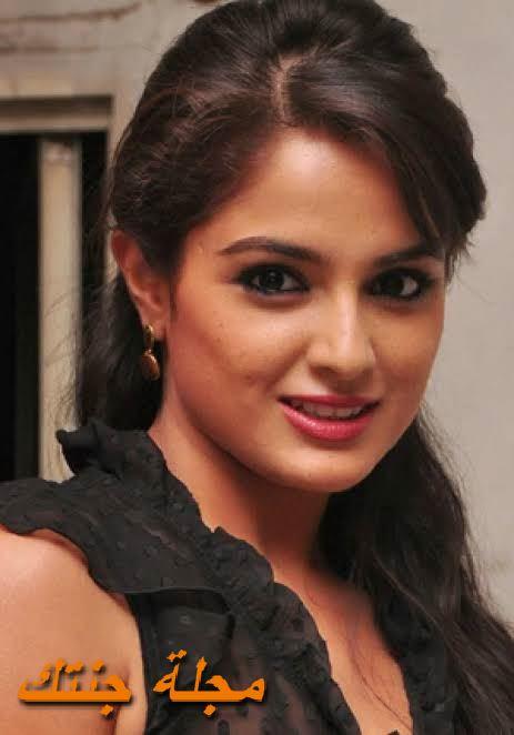 الممثلة الشابة اسميتا سود