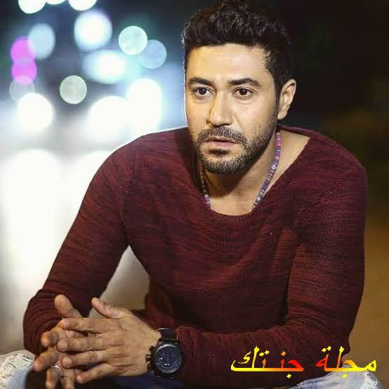 الممثل المصري محمد عز