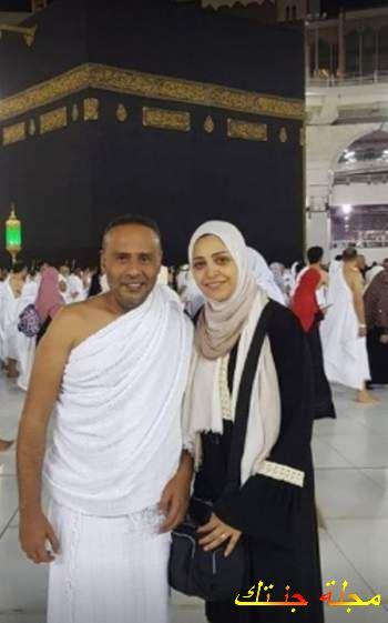 محمود عبد المغنى مع زوجته