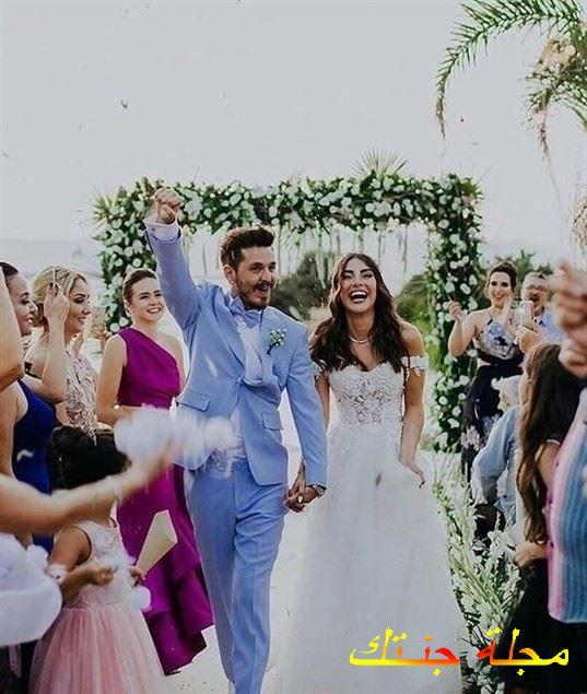 دينيز بايسال وزوجها من حفلة زفافها