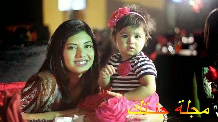 سونيتا مع بنتها