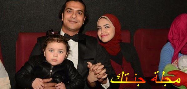 مصطفي أبو سريع وزوجته