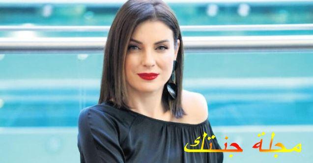 الممثلة اوزغي اوزبيرك