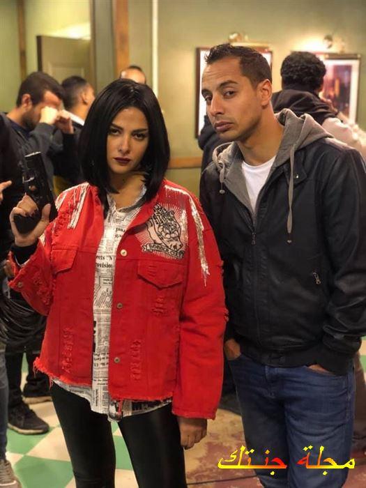 عمرو وهبة مع دنيا سمير غانم