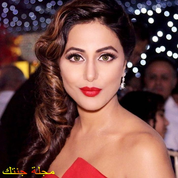 الممثلة هينا خان