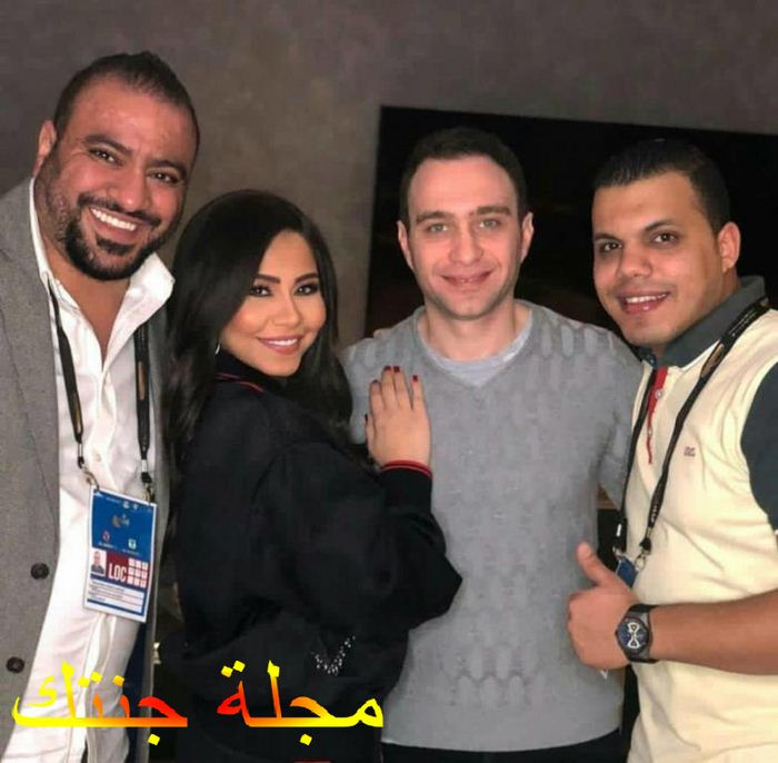 حسام و شيرين مع اصدقائهم