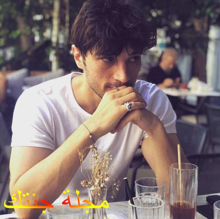 الفنان الهان سين في مشهد من المسلسل