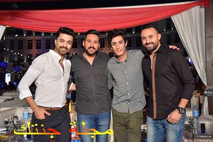 احمد بسيم مع اصدقائه في حفل عيد ميلاده