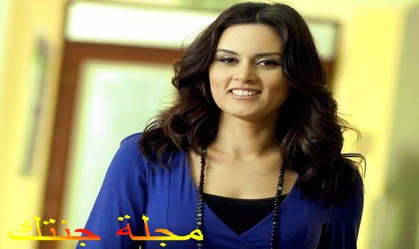 الفنانة رشا مهدى