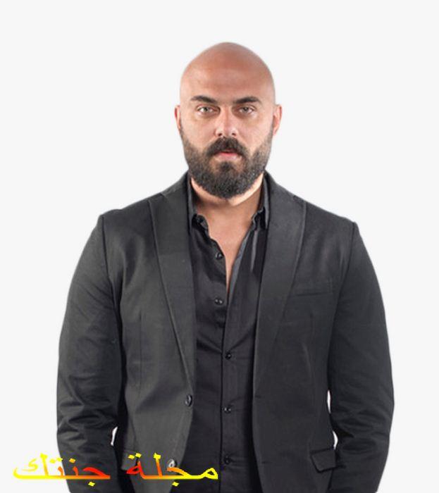 بطل المسلسل الفنان احمد صلاح حسنى