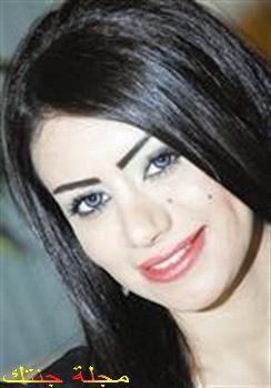 الفنانة الكويتية سارة المطيرى