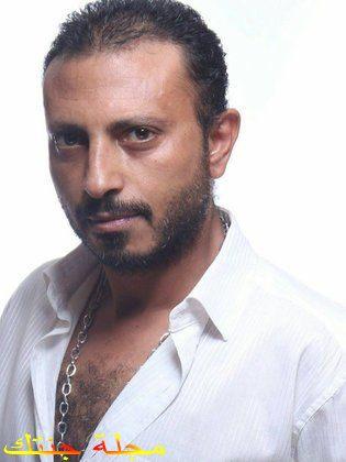 محمود عزت جنسيته عمره ديانته أعماله و أكثر